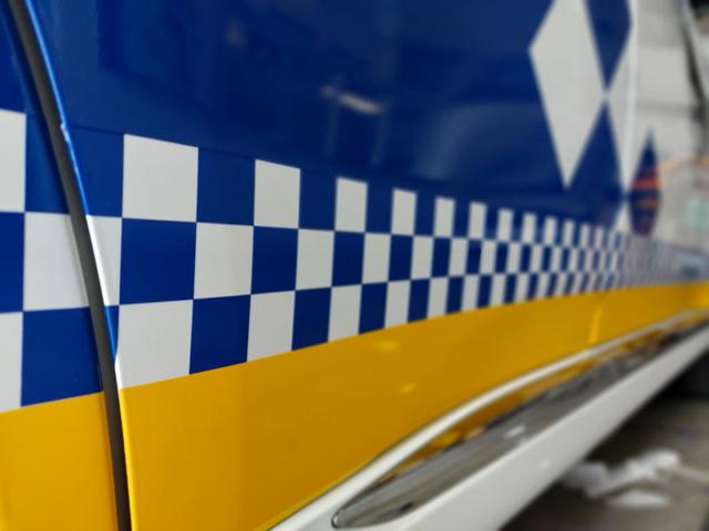Joyfer - Rotulación vehículos - coche oficial-policia municipal vinilo reflectante damero