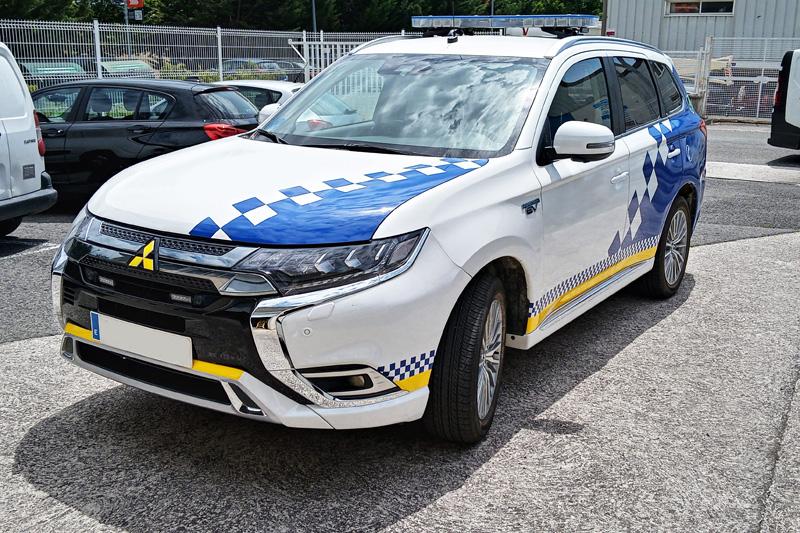 Joyfer - Rotulación vehículos - coche oficial-policia municipal vinilo reflectante damero damero