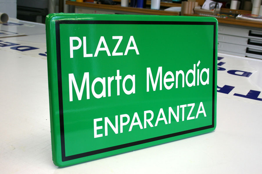joyfer señalización plaza